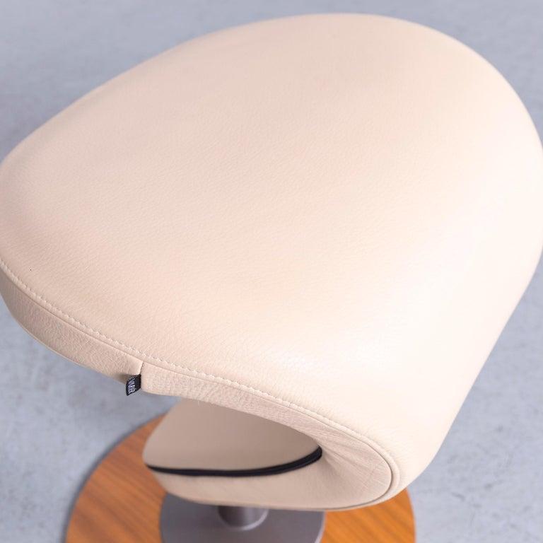 Moderner Beiger Designer Leder Sessel Mit Hocker Varier Ekstrem Im