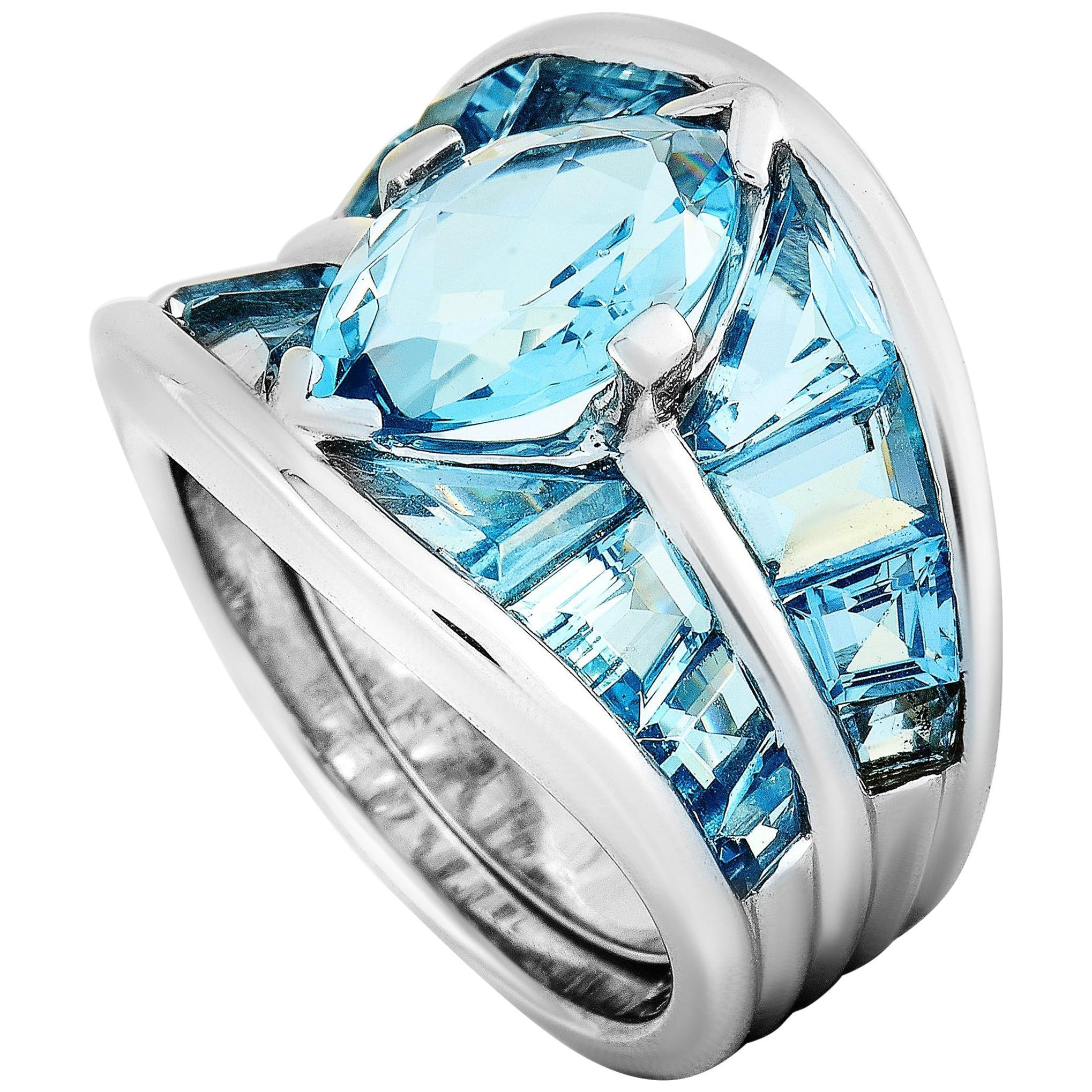 Vasari 18 Karat White Gold and 8.50 Ct Aquamarine Ring