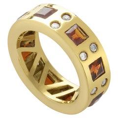 Vasari Womens 18 Karat Yellow Gold Diamond and Garnet Band Ring