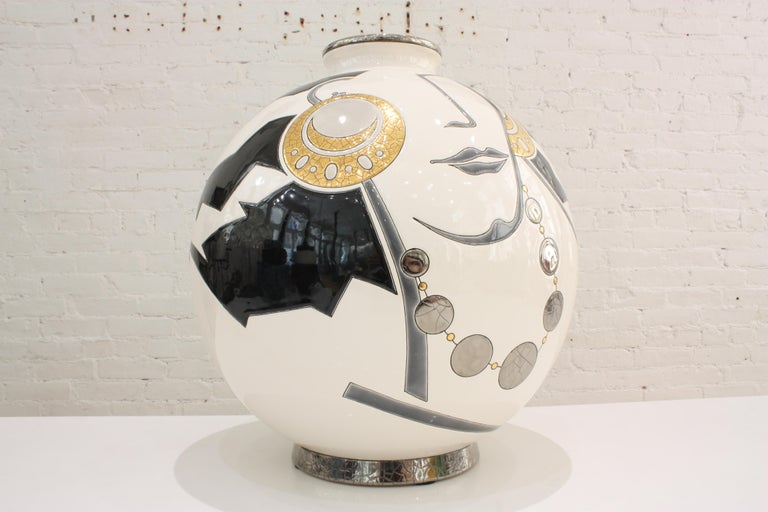 Vase Emaux de Longwy, Femme au collier Art Deco In New Condition For Sale In Mareil-Marly, Yvelines