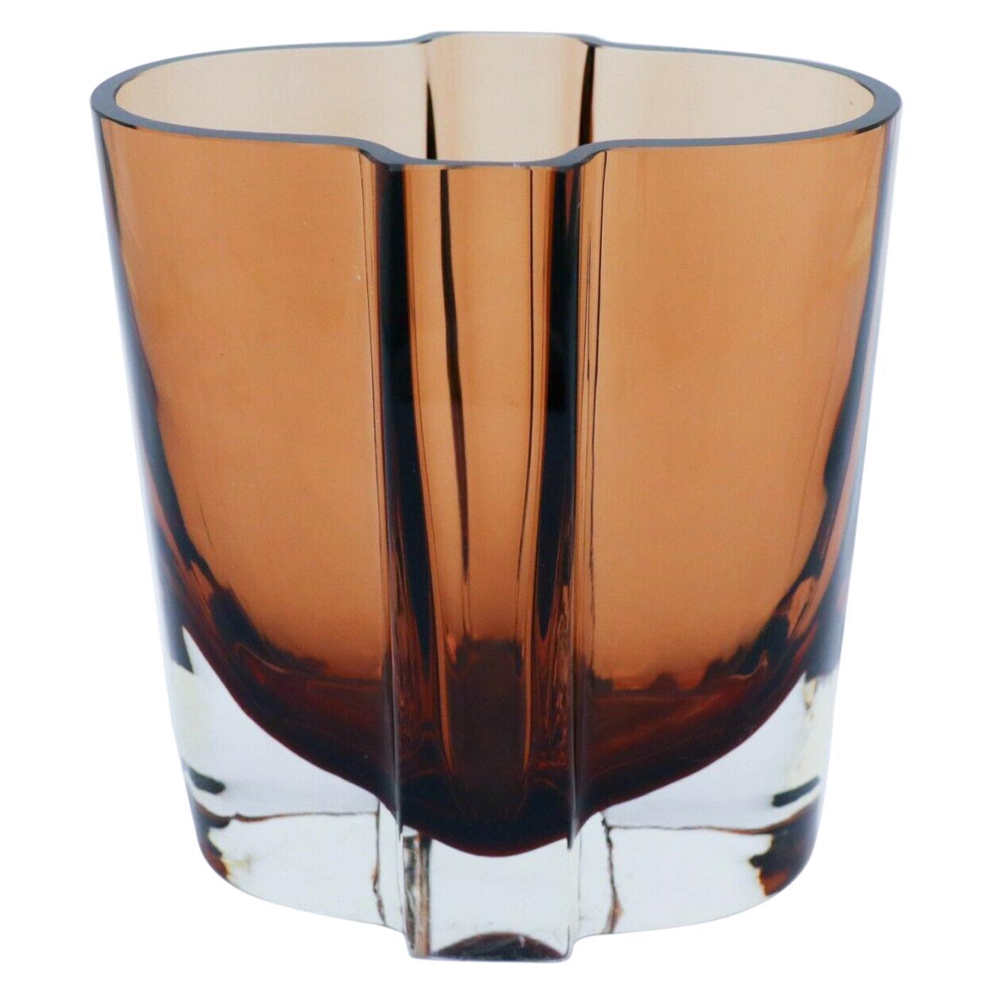 Vase in Glass, Kaj Franck, Nuutajärvi Notsjö, Bordeaux Red / Brown Color