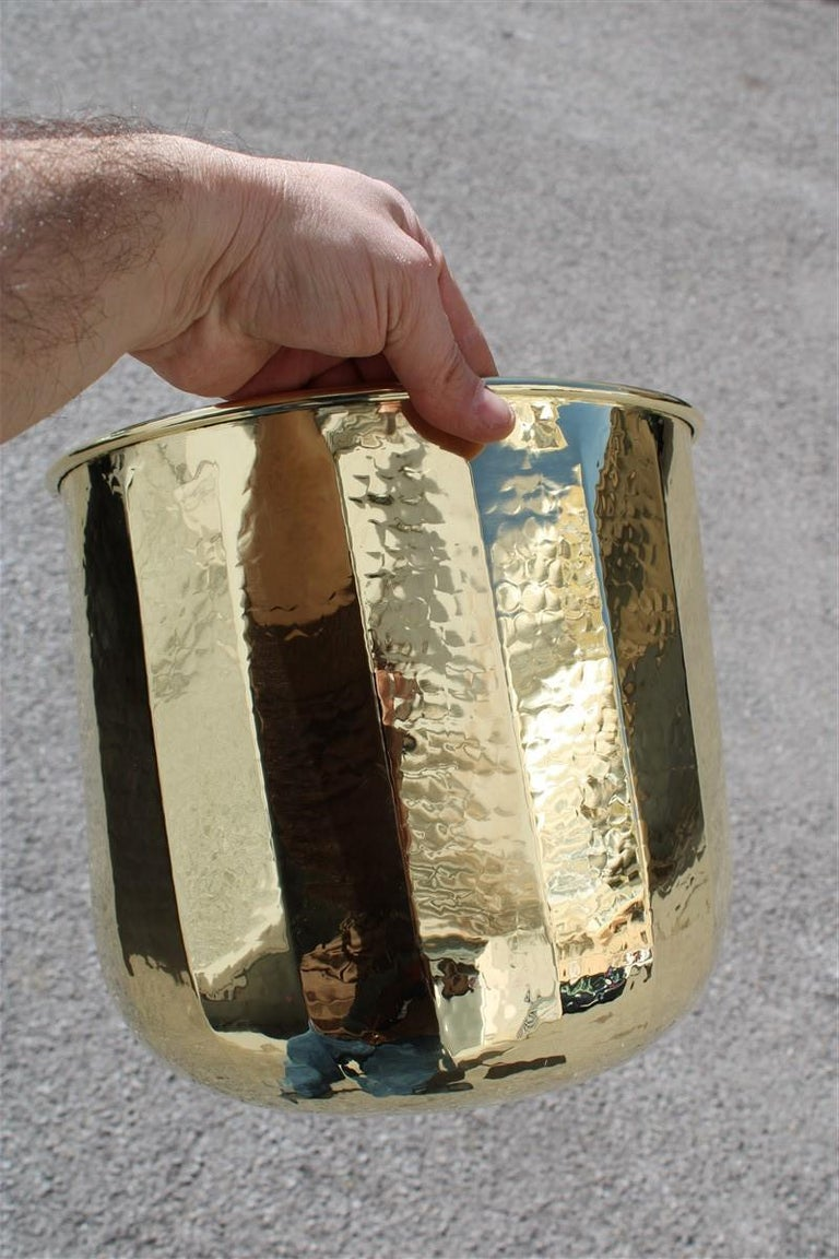 Mid-Century Modern Vase in Solid Brass Italy 1970s Hammered Gold Color For Sale