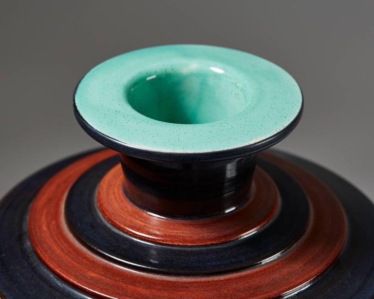 Scandinavian Modern Vase Model D44-66 Designed by Ewald Dahlskog for Bobergs Fajansfabrik, Sweden For Sale
