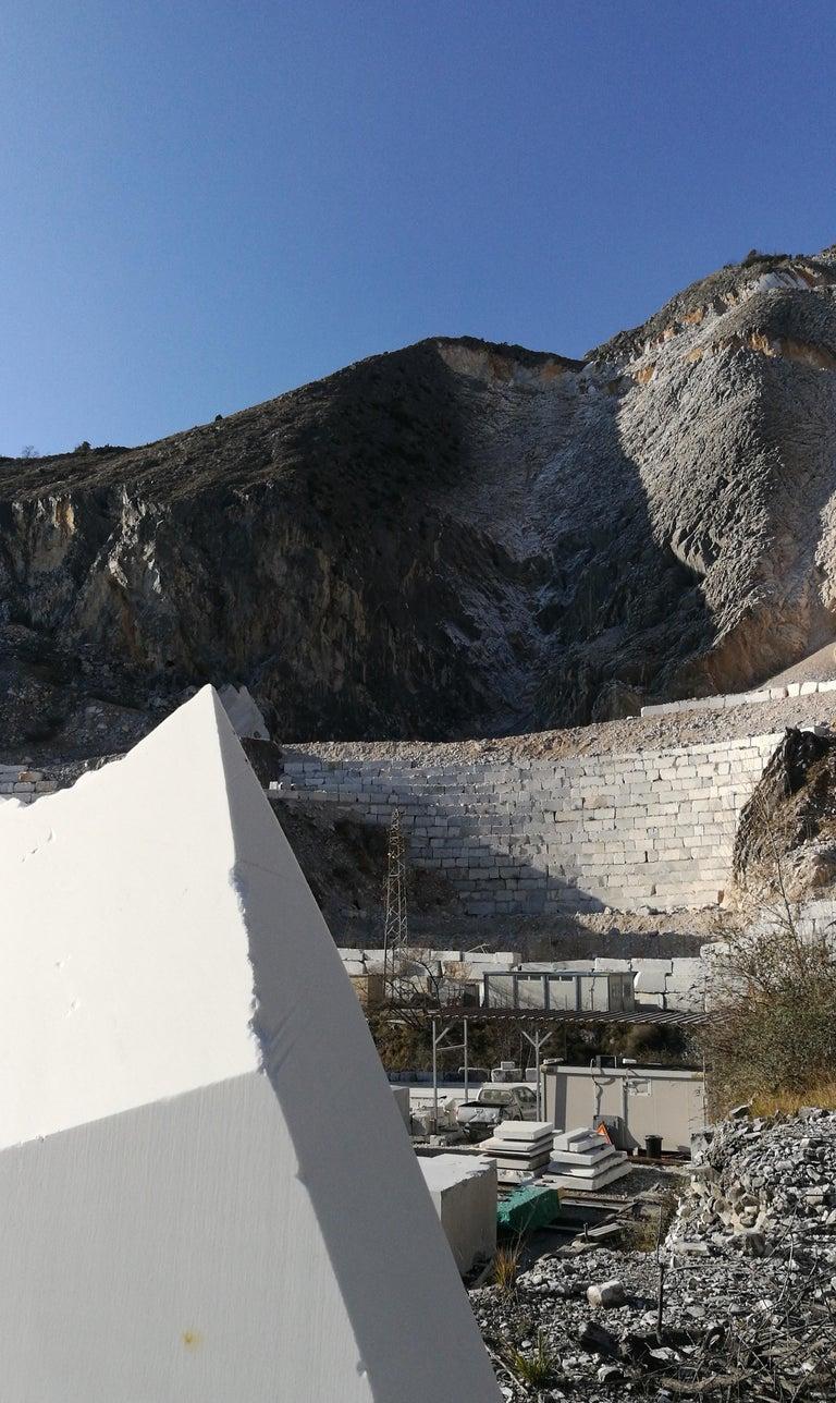 Vase Sculpture in White Carrara Marble Italian Contemporary Design For Sale 5
