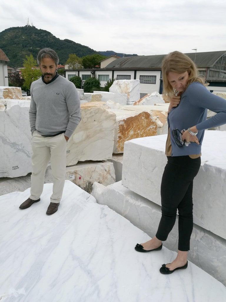 Vase Sculpture in White Carrara Marble Italian Contemporary Design For Sale 7