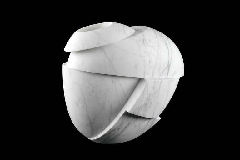 Vase Sculpture White Statuary Marble from Carrara by Pieruga Marble For Sale 3