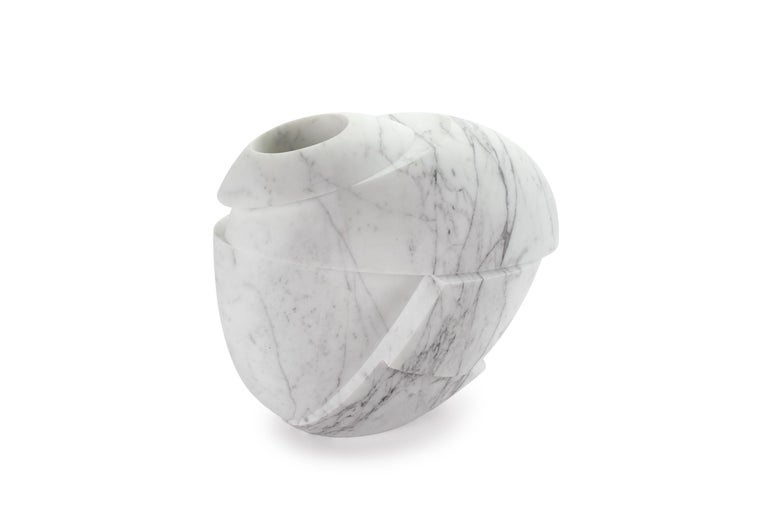 Italian Vase Sculpture White Statuary Marble from Carrara by Pieruga Marble For Sale