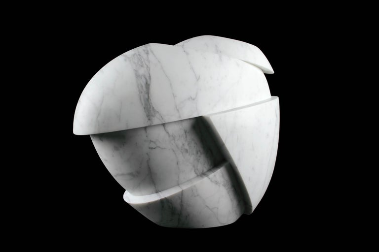 Vase Sculpture White Statuary Marble from Carrara by Pieruga Marble In New Condition For Sale In Ancona, Marche
