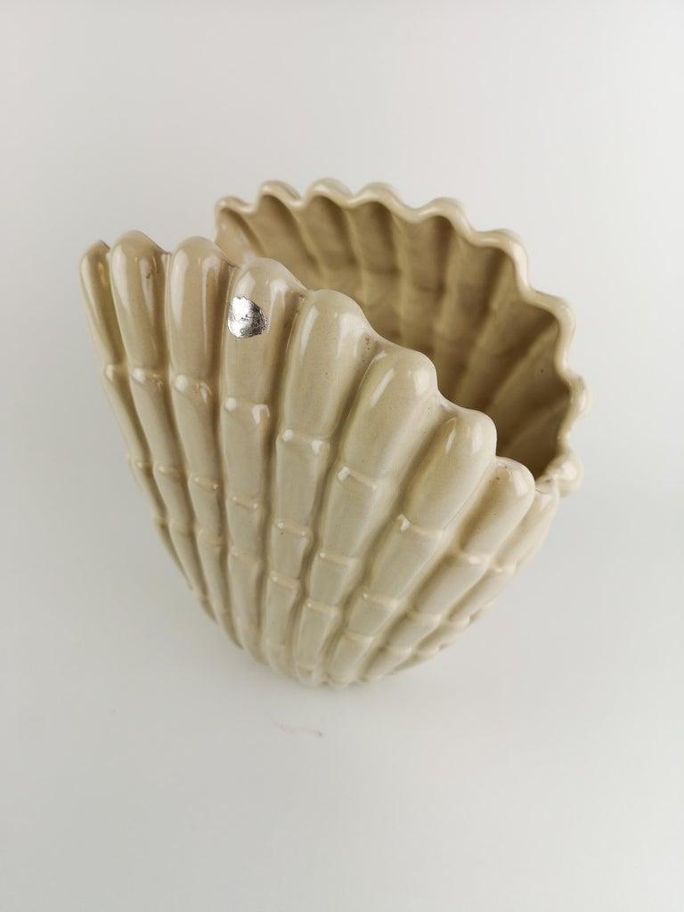 Vase Seashell by Vicke Lindstrand for Upsala Ekeby, Sweden In Good Condition For Sale In Langserud, SE