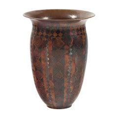 """Vase """" Spirales, damiers, carrés et réserves verticales """""""