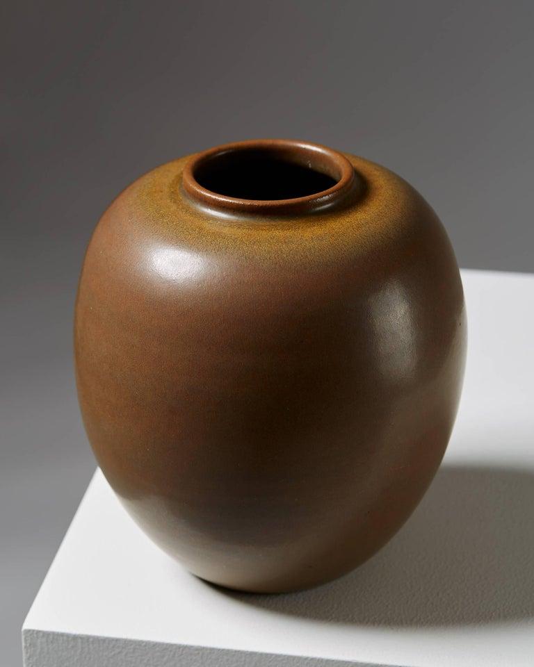 Scandinavian Modern Vase 'Tobo' Designed by Erich and Ingrid Triller, Sweden, 1940s For Sale