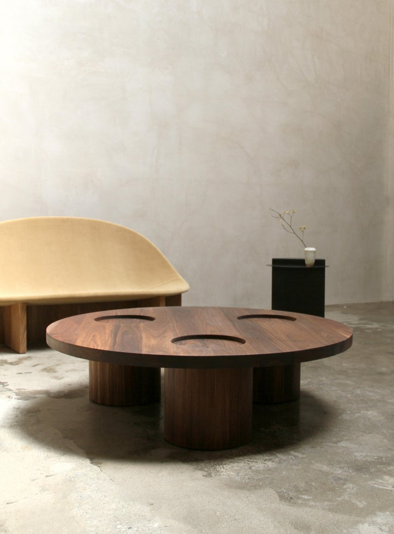 Hardwood VASSOIO Contemporary Coffee Table in Solid Wood by Estudio Persona For Sale