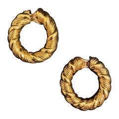 VCA Van Cleef & Arpels Braided Hoop Earrings 18 Karat Yellow Gold, France, 1960s