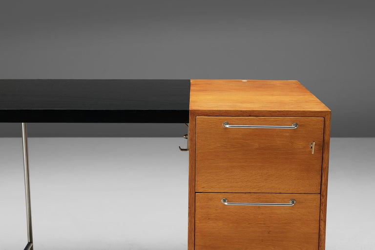 Velox Desk in Oak and Chrome In Good Condition For Sale In Waalwijk, NL