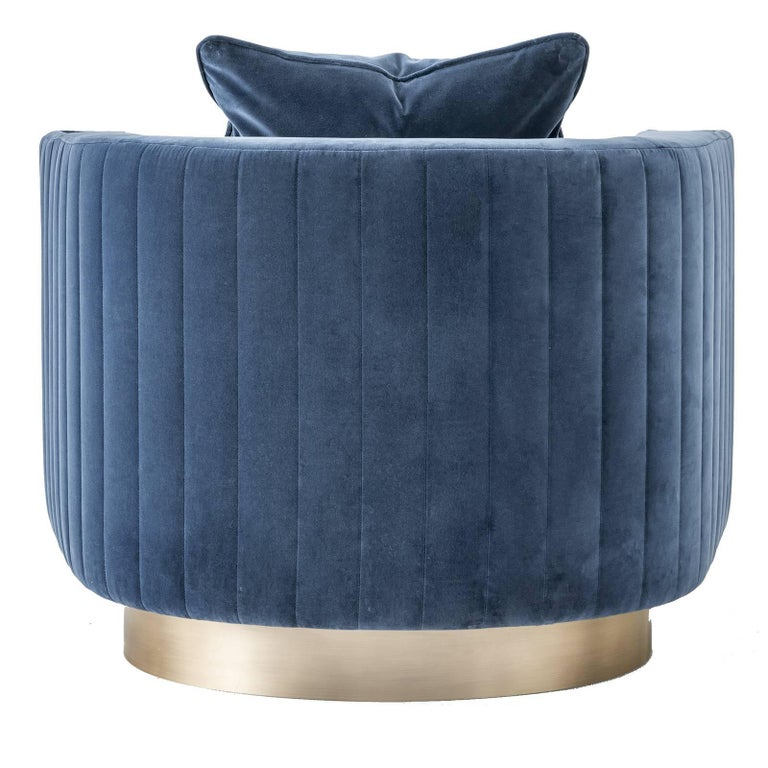 Velvet Armchair In New Condition For Sale In Milan, IT