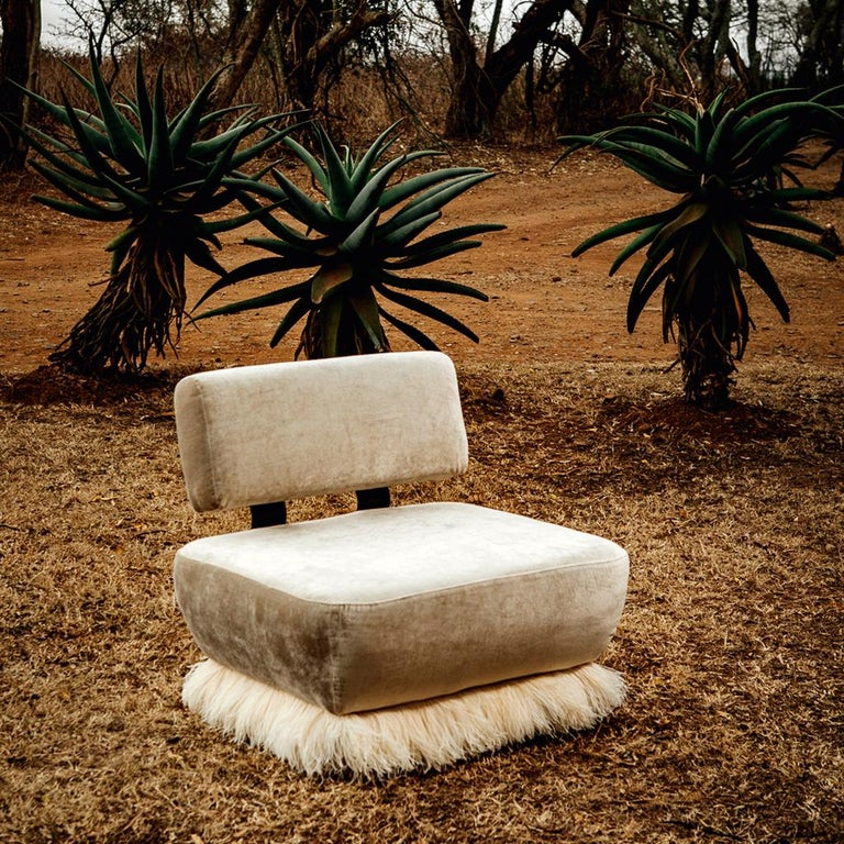 Velvet, Bronzed steel, Brass & Ostrich Feather - Ostrich Fluff Lounge Chair  For Sale 2