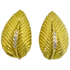 Vendorafa 18 Karat Yellow Gold and Diamond Leaf-Motif Earrings, Made in Italy