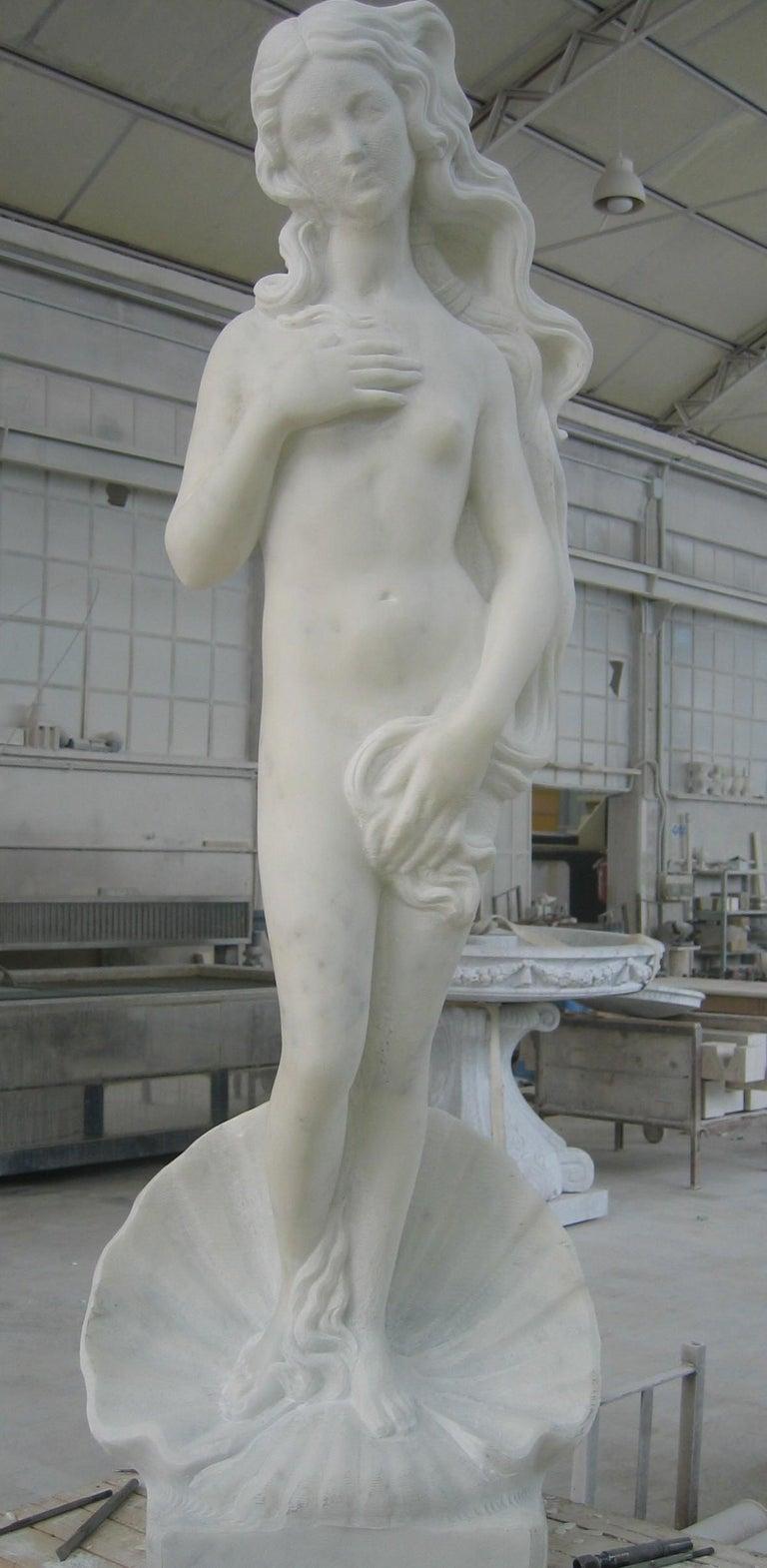Modern Venere Statue in Acquabianca Marble by Kreoo For Sale