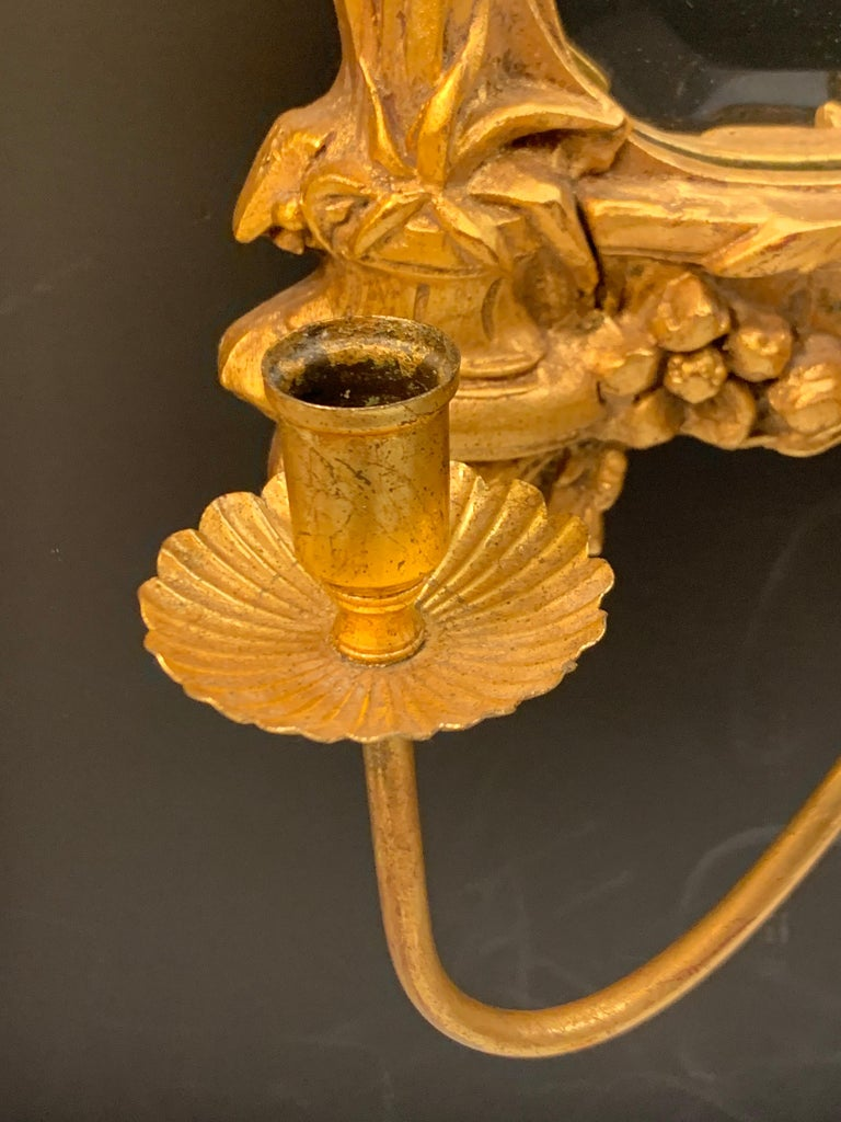 Venetian Early 20th Century Rococo Sculptural Carved Gilt Wood Mirror In Good Condition In West Hartford, CT