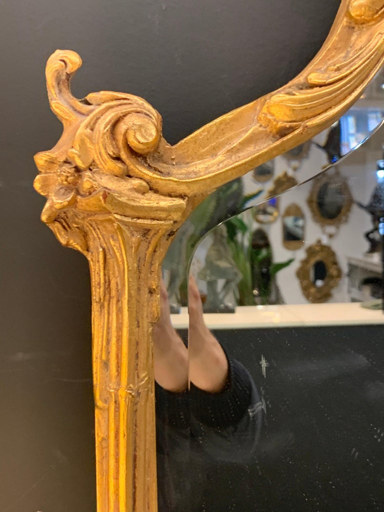 Venetian Early 20th Century Rococo Sculptural Carved Gilt Wood Mirror 3