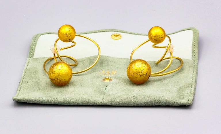 Venetian Glass and Gold Leaf Titanium Earrings by JAR, Paris For Sale 1