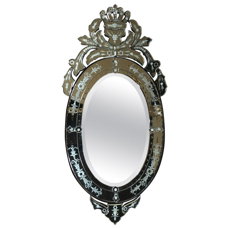 Venetian Hollywood Regency Style Oval Wall Mirror with Etched Floral Motif Italy For Sale