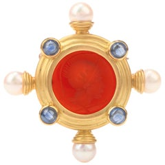 Venetian Intaglio Cameo Pearl Sapphire 18 Karat Gold Brooch Pin
