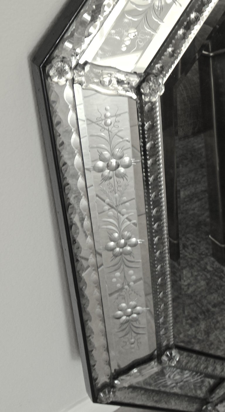 Venetian Italian Octagonal Etched Wall Mirror For Sale 12
