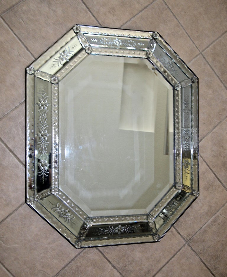 Venetian Italian Octagonal Etched Wall Mirror For Sale 15
