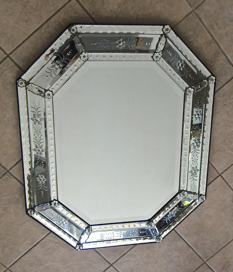Venetian Italian Octagonal Etched Wall Mirror For Sale 1