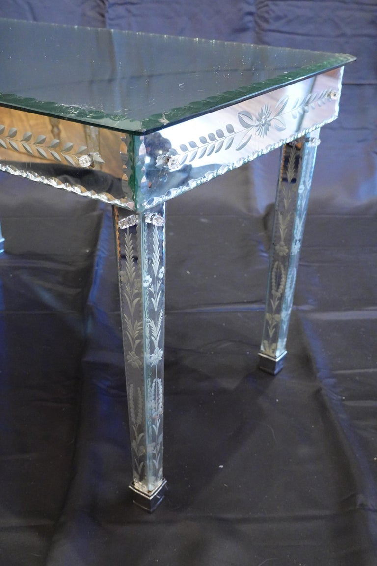 Venetian Mirrored Glass Coffee Table by S.A.L.I.R. For Sale 2