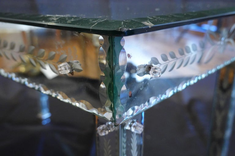 Venetian Mirrored Glass Coffee Table by S.A.L.I.R. For Sale 4