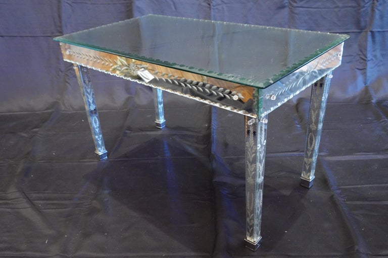 Venetian coffee table made of Murano cut glass by the Italian company S.A.L.I.R. Murano (