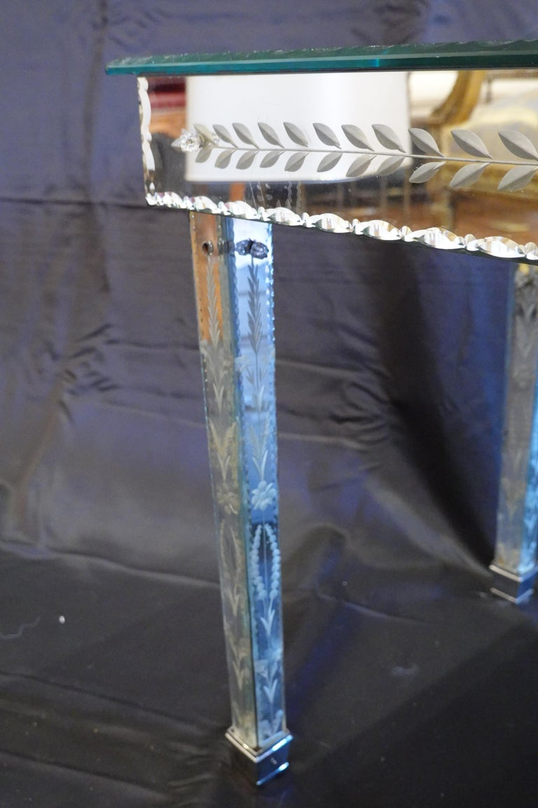 Venetian Mirrored Glass Coffee Table by S.A.L.I.R. For Sale 1