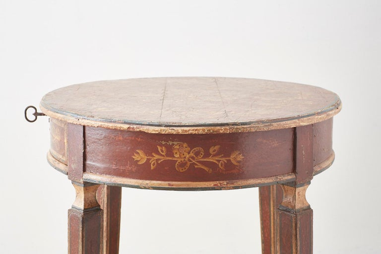 Venetian Style Round Lacquered Lamp Table For Sale 8