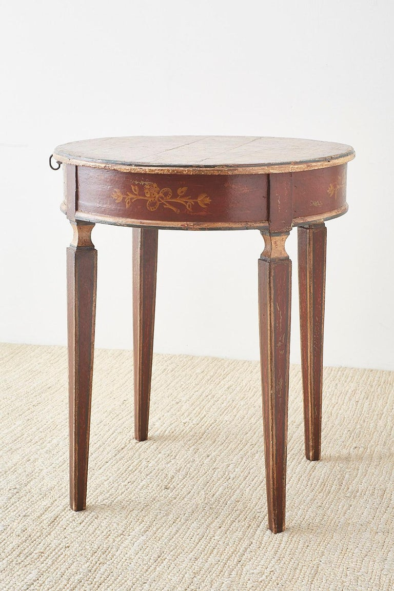 Venetian Style Round Lacquered Lamp Table For Sale 10