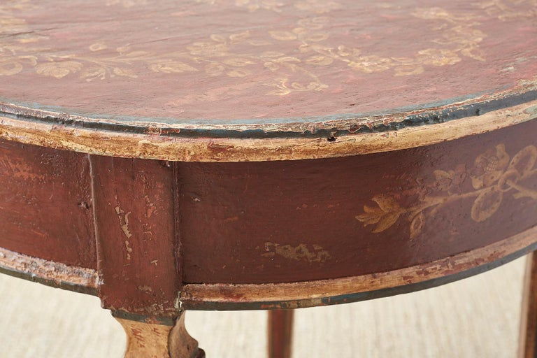 Venetian Style Round Lacquered Lamp Table For Sale 12