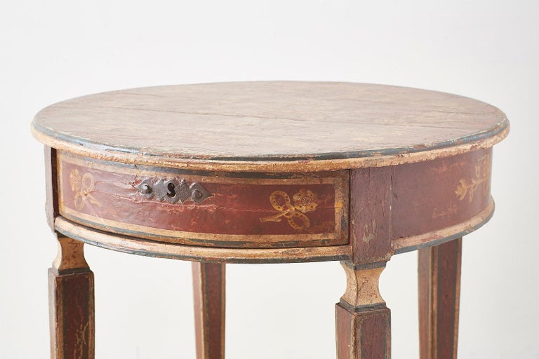 Venetian Style Round Lacquered Lamp Table In Distressed Condition For Sale In Oakland, CA