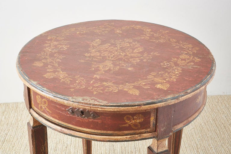 Venetian Style Round Lacquered Lamp Table For Sale 2