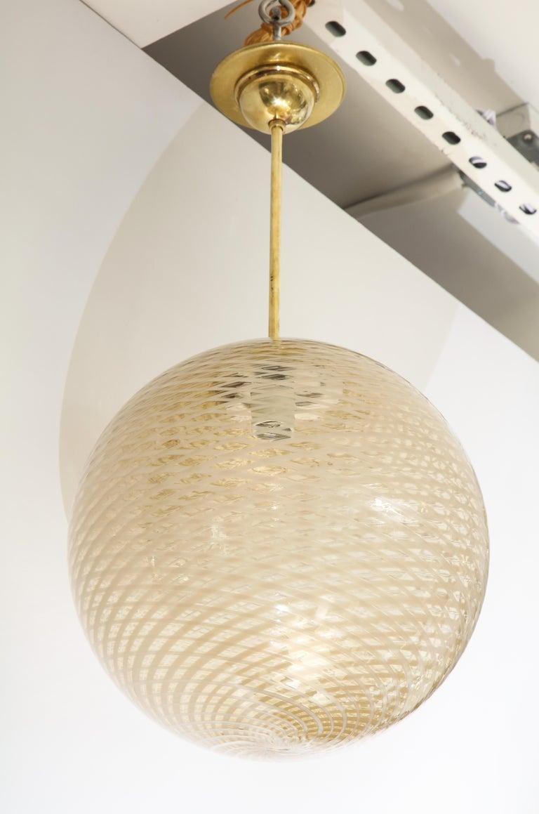 Mid-20th Century Venini 1930s Reticello Glass Globe Chandelier For Sale