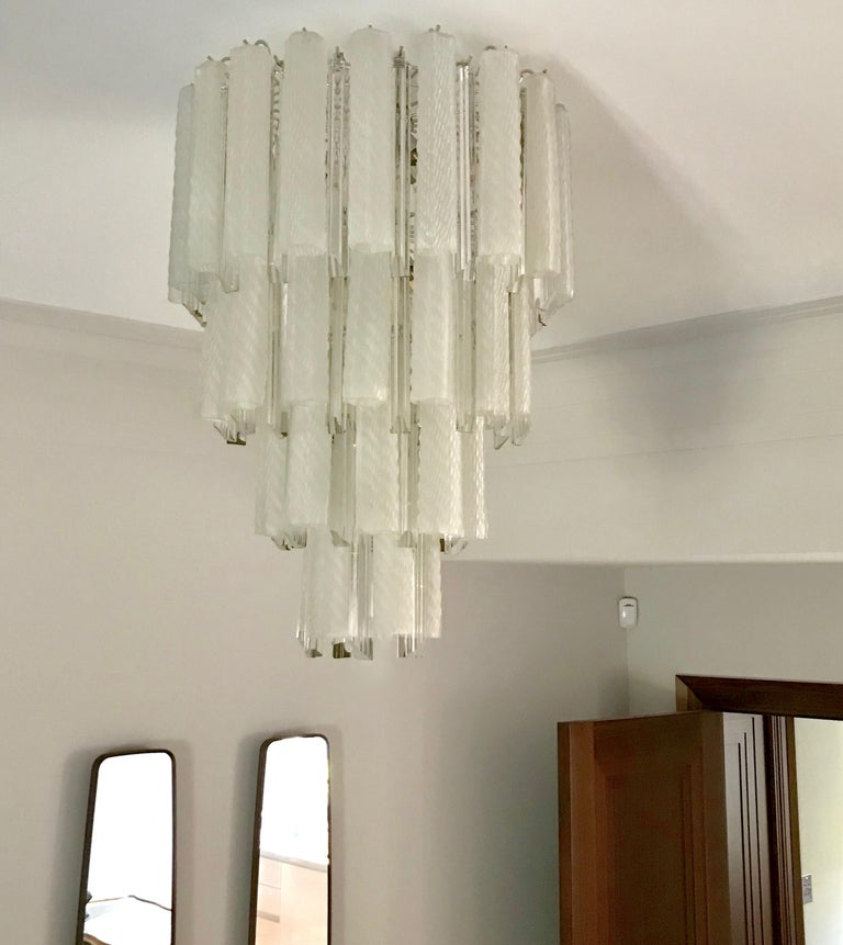 Venini 1960s Cylinder Crystal and White Murano Glass Round Chandelier on Nickel For Sale 5