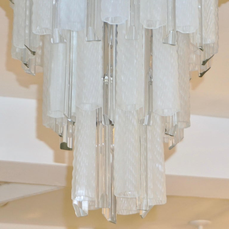 Hand-Crafted Venini 1960s Cylinder Crystal and White Murano Glass Round Chandelier on Nickel For Sale