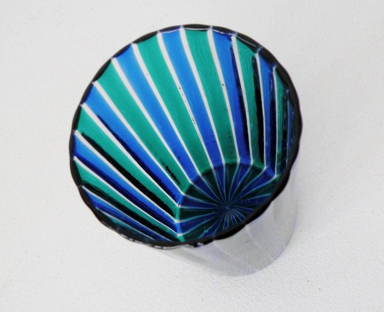 Fine 1960s era Gio Ponti designed striped beaker form vase for Venini, Italy. 5