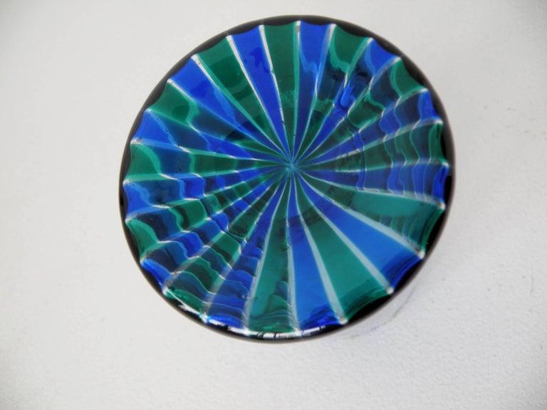 Venini 1960s Gio Ponti Green and Blue Striped Beaker Vase In Excellent Condition For Sale In Denver, CO