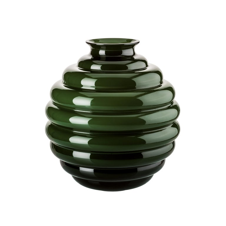Venini glass vase in apple green designed by Napoleone Martinuzzi in 1930. Perfect for indoor home decor as container or statement piece for any room. Also available in other colors on 1stdibs.  Dimensions: 26 cm diameter x 29 cm height.