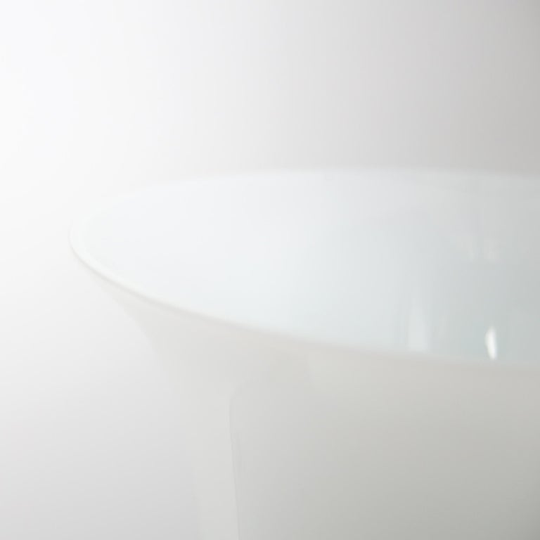 Late 20th Century Italian Mid Century Modern Venini White Glass Vase by Tomaso Buzzi, 1983 For Sale
