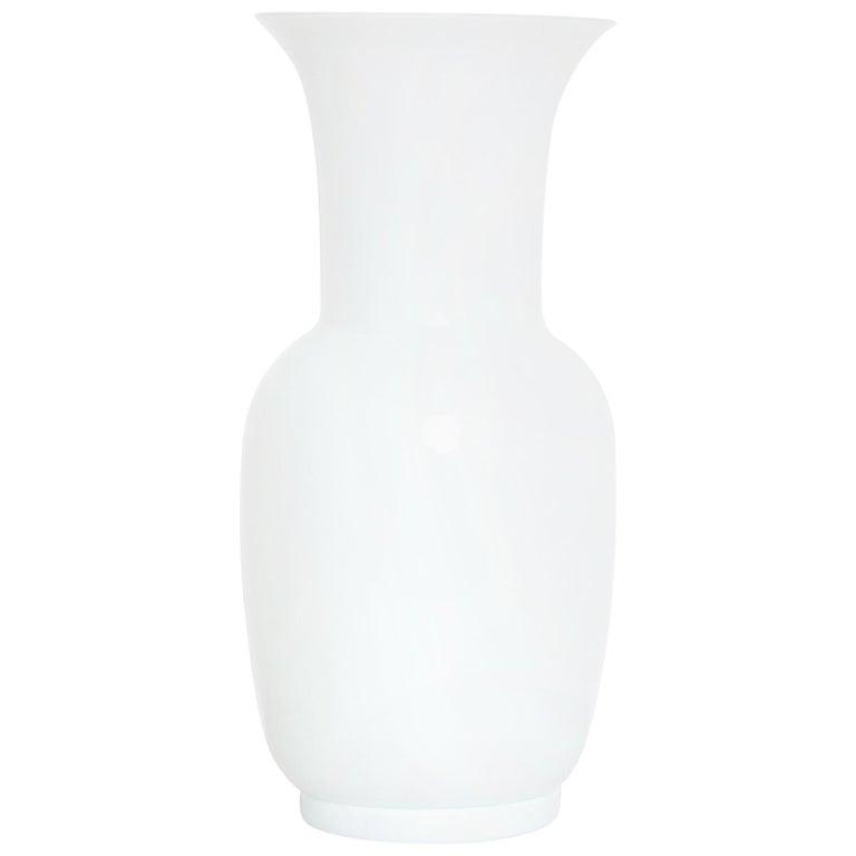 Italian Mid Century Modern Venini White Glass Vase by Tomaso Buzzi, 1983 For Sale