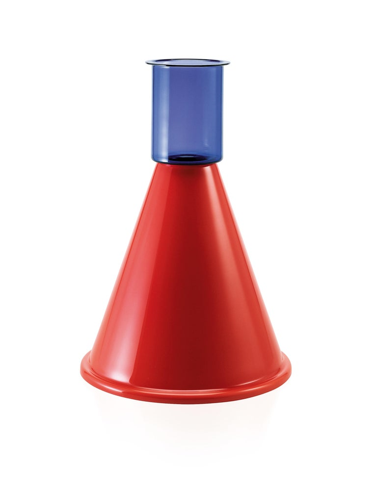 Venini geometric glass vase with angular body in midnight blue and red designed by Ettore Sottsass in 2001. Perfect for indoor home decor as container or strong statement piece for any room. Limited production of only 99 pieces.  Dimensions: 36 cm