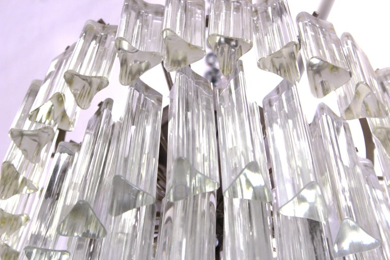 Venini Italian Modern Glass Chandelier with Triedri Prisms In Good Condition For Sale In New York, NY
