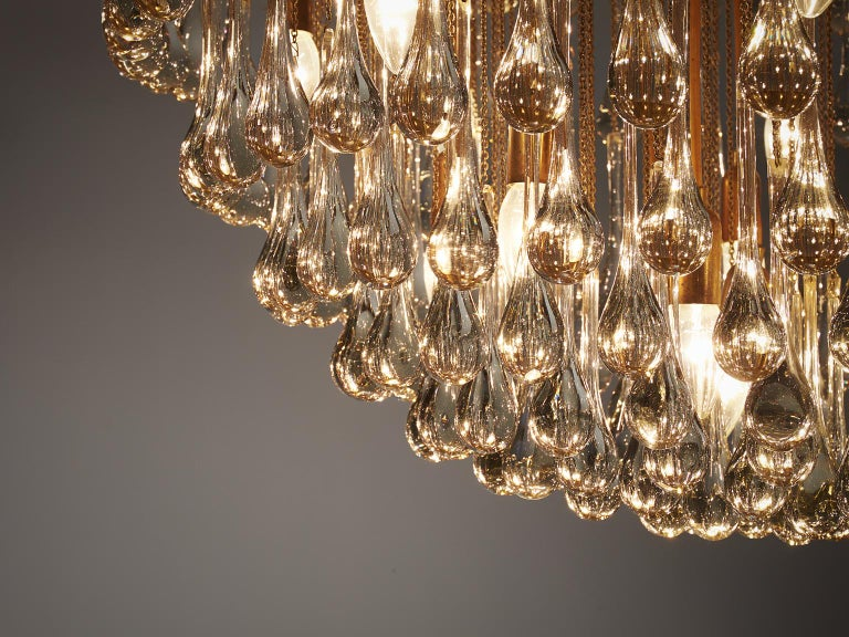 Venini Large Chandelier in Brass with Glass Drops In Good Condition For Sale In Waalwijk, NL